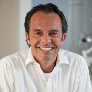 Dr. Marcelo Martins
